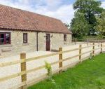 Bull Pen dog friendly holiday cottage, Charlton, Cotswolds , Wiltshire, England