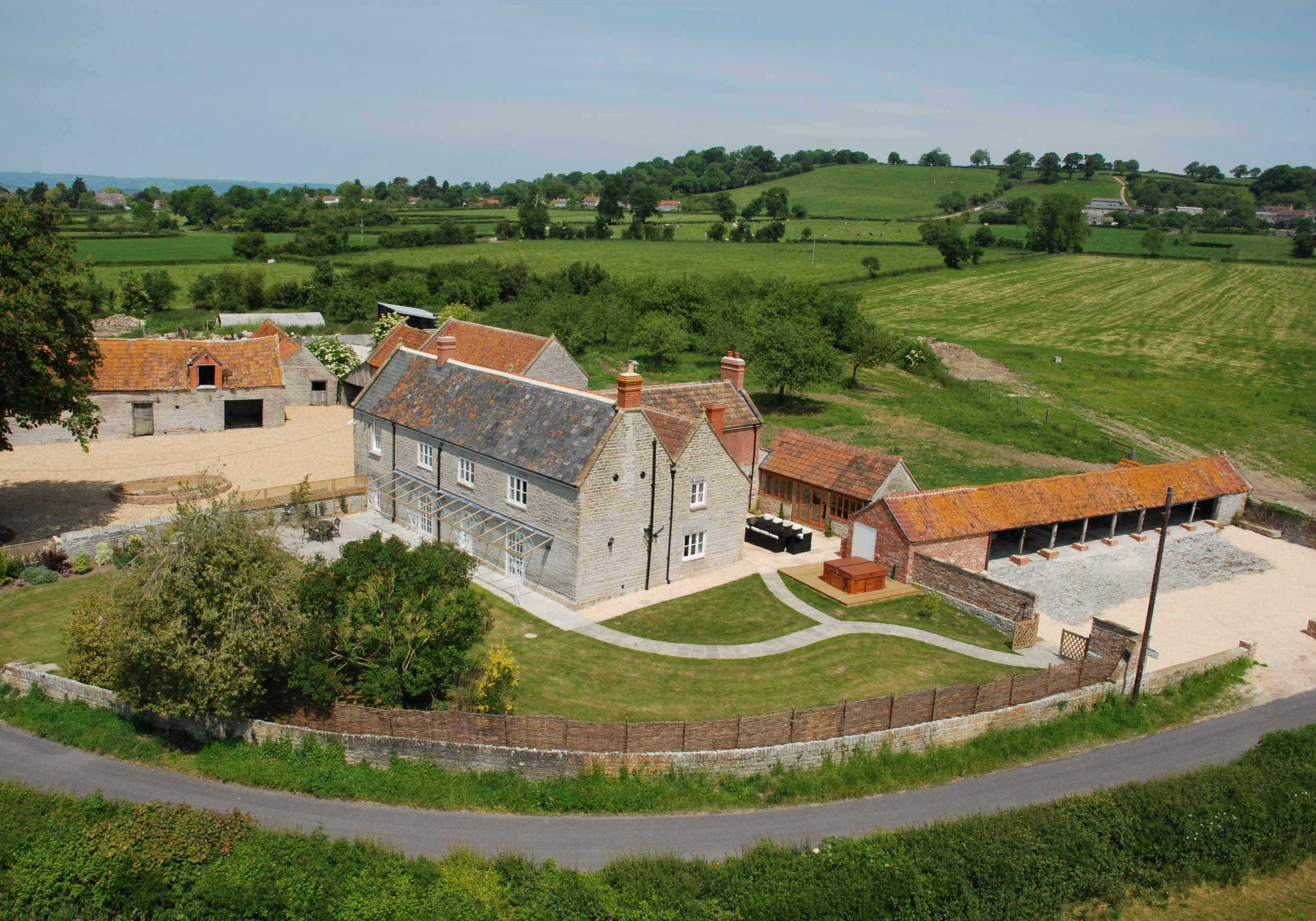 Holiday cottages with a swimming pool and barbeque  in South West, West Country