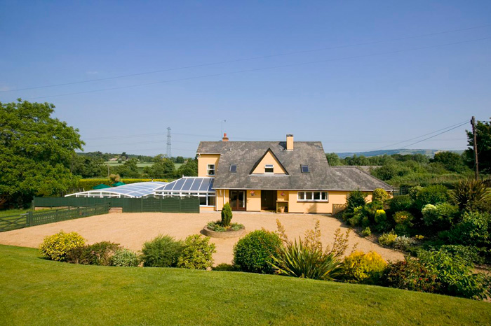 Holiday accommodation + swimming pool  in West Country, South West, Quantocks, Somerset