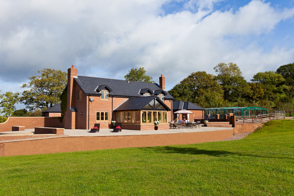 Big holiday cottages with a pool  in Taunton, Somerset