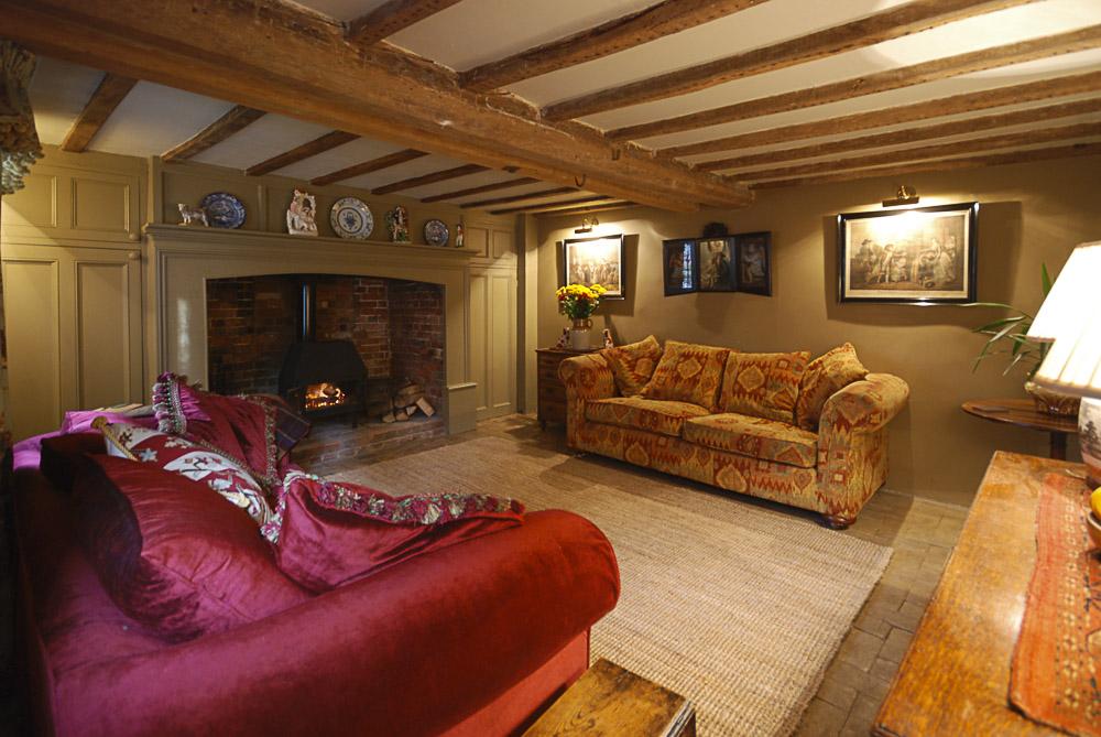 Cottage ;