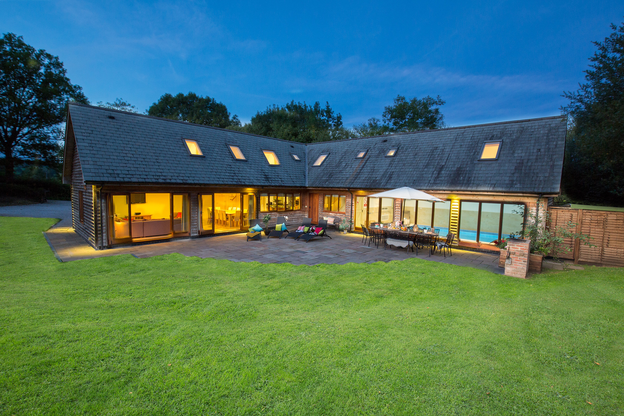 Holiday cottages with a swimming pool and barbeque  in West Country