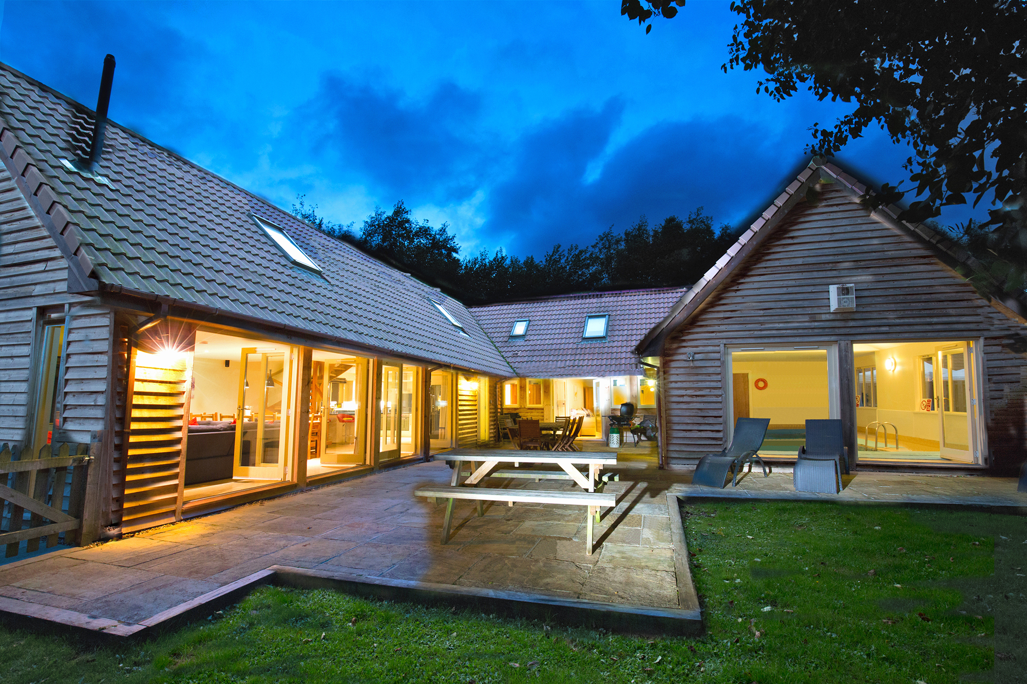 Holiday cottages with a swimming pool and barbeque  in West Bagborough, West Country, South West