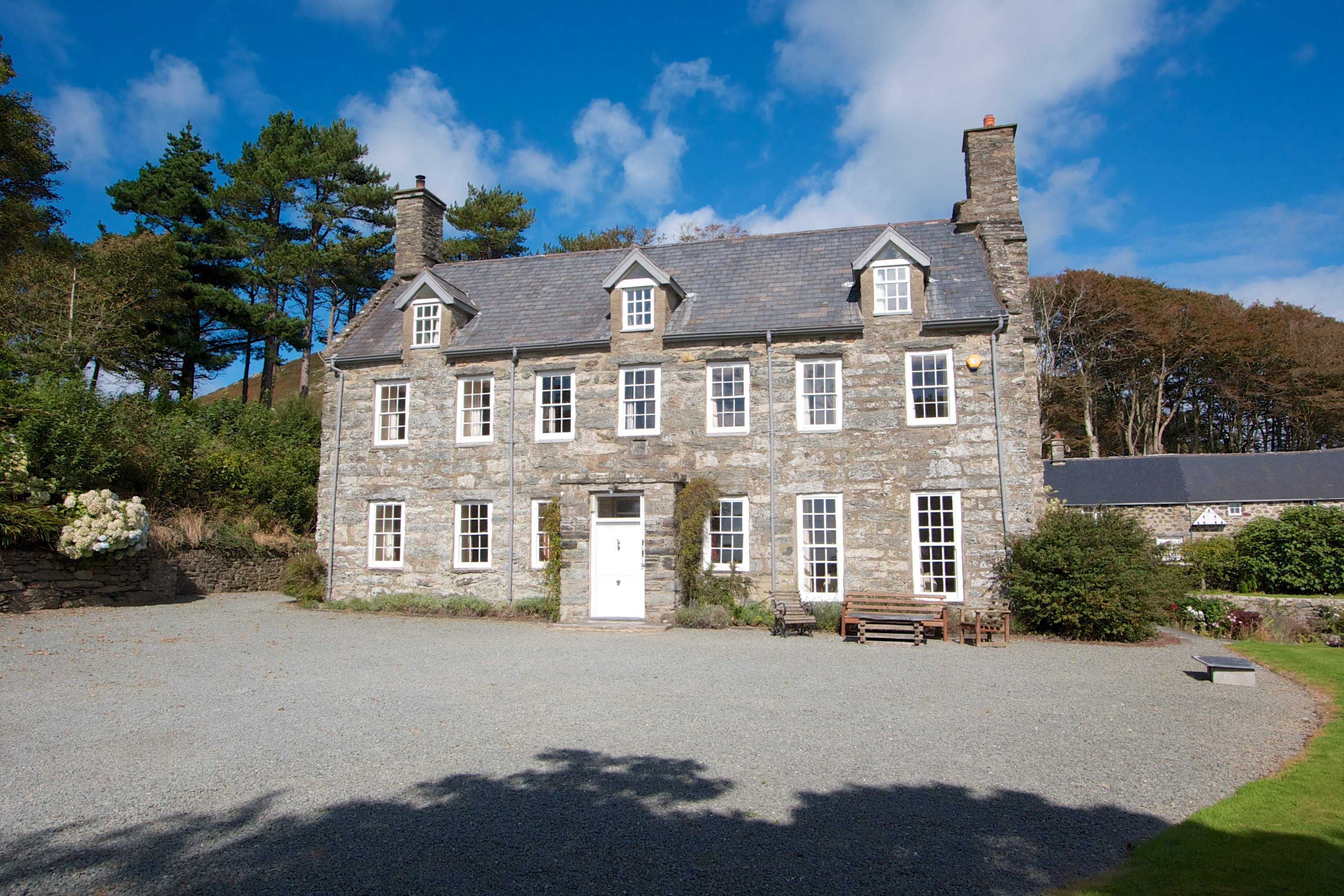Big holiday cottages with a pool  in North Wales