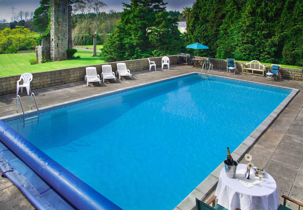 Cottage breaks with swimming pool + BBQ  in Ivybridge, West Country, South West