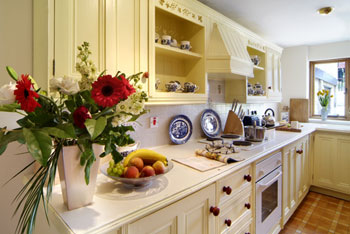 Accommodation with a large bed sleeps 2 in Cotswolds, Home Counties