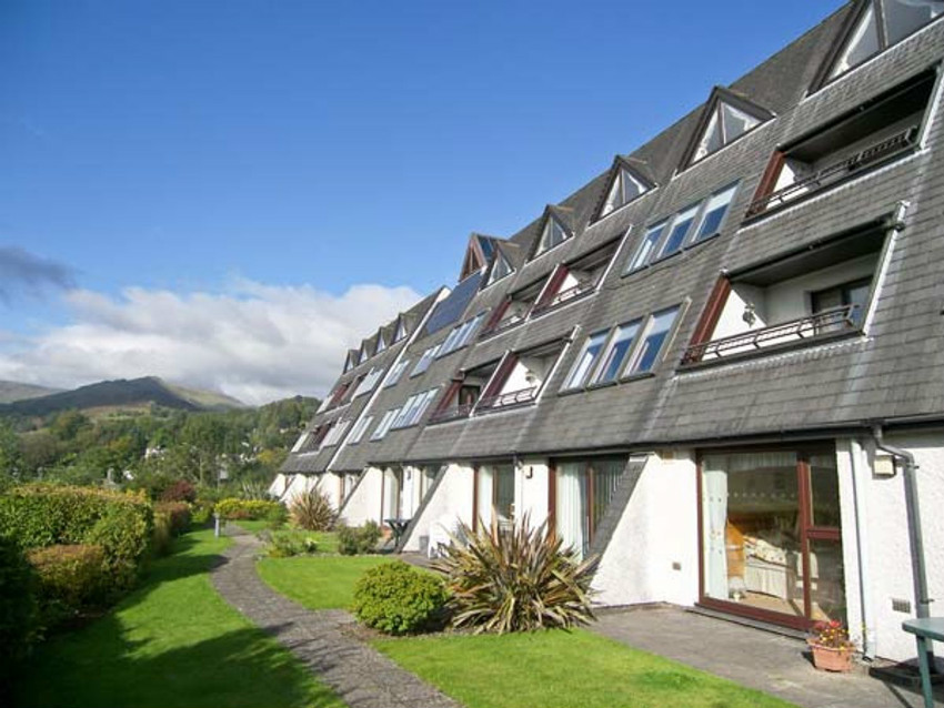 Holiday accommodation + swimming pool  in North England