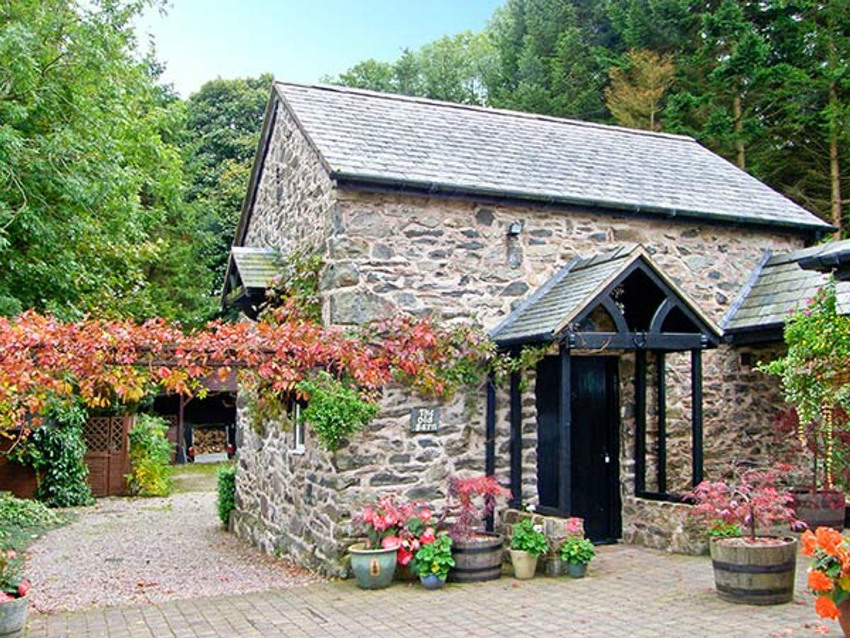 The Old Barn Pet-Friendly Holiday Cottage, North Wales