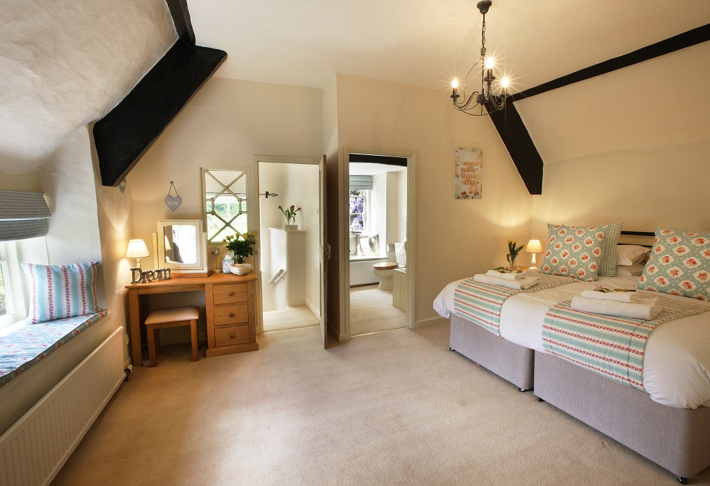 Holiday homes with a pool in exmoor national park south - Holiday homes in somerset with swimming pool ...