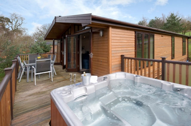 Hot tub cottage for 2 in Peak District