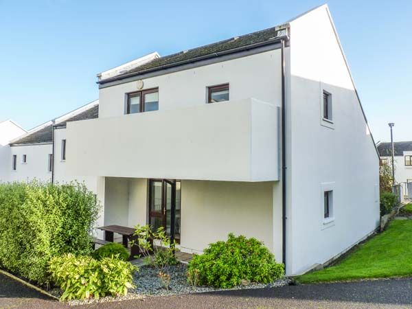 Holiday accommodation + swimming pool  in Ireland