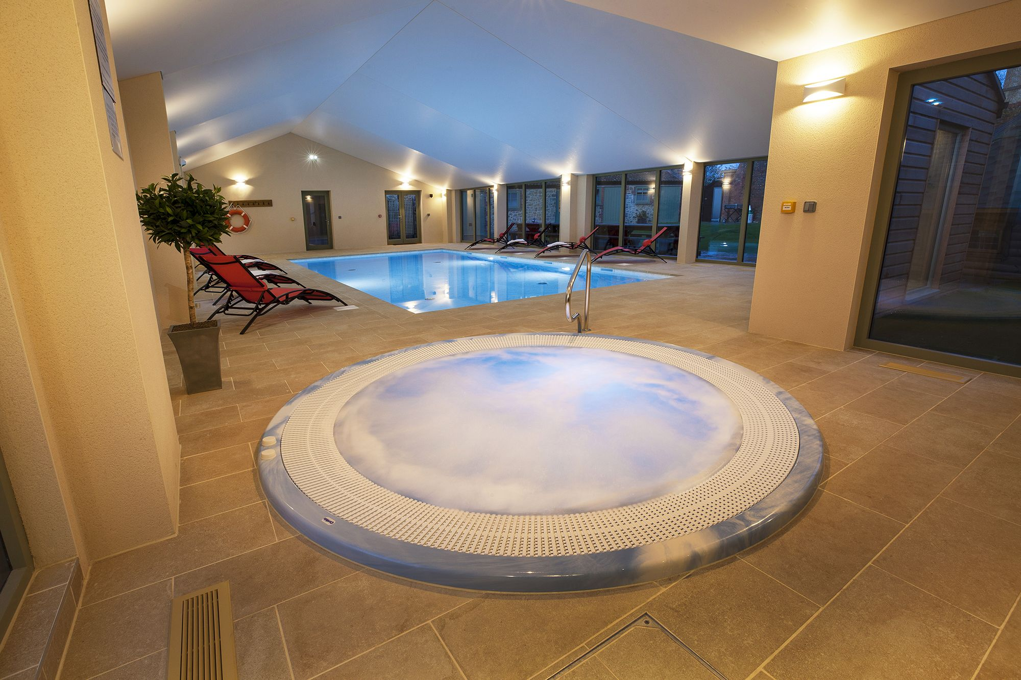 Cottage breaks with swimming pool + BBQ  in South West, West Country