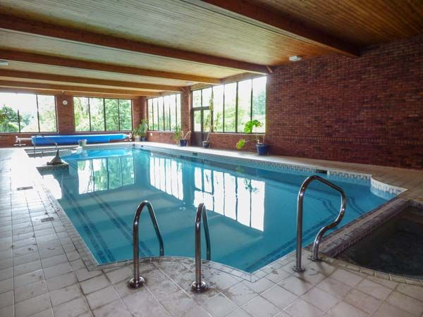 Holiday homes with a pool  in Brecon Beacons National Park, South Wales