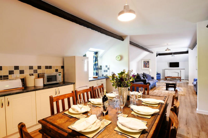 Cottage with leisure pool sleeps2  in South West, West Country