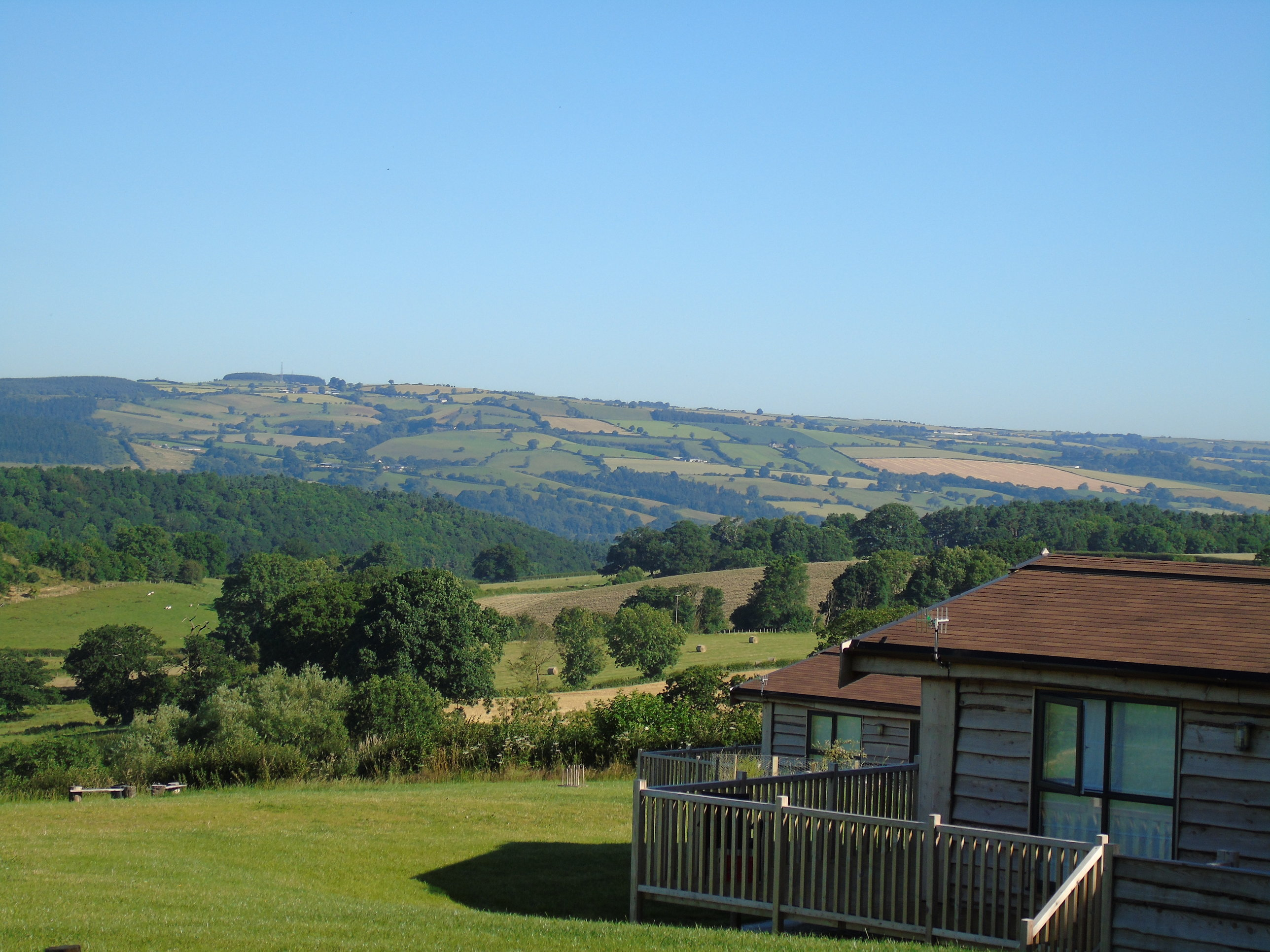 Accommodation with a large bed sleeps 2 in Heart of England, West Midlands, Shropshire Hills