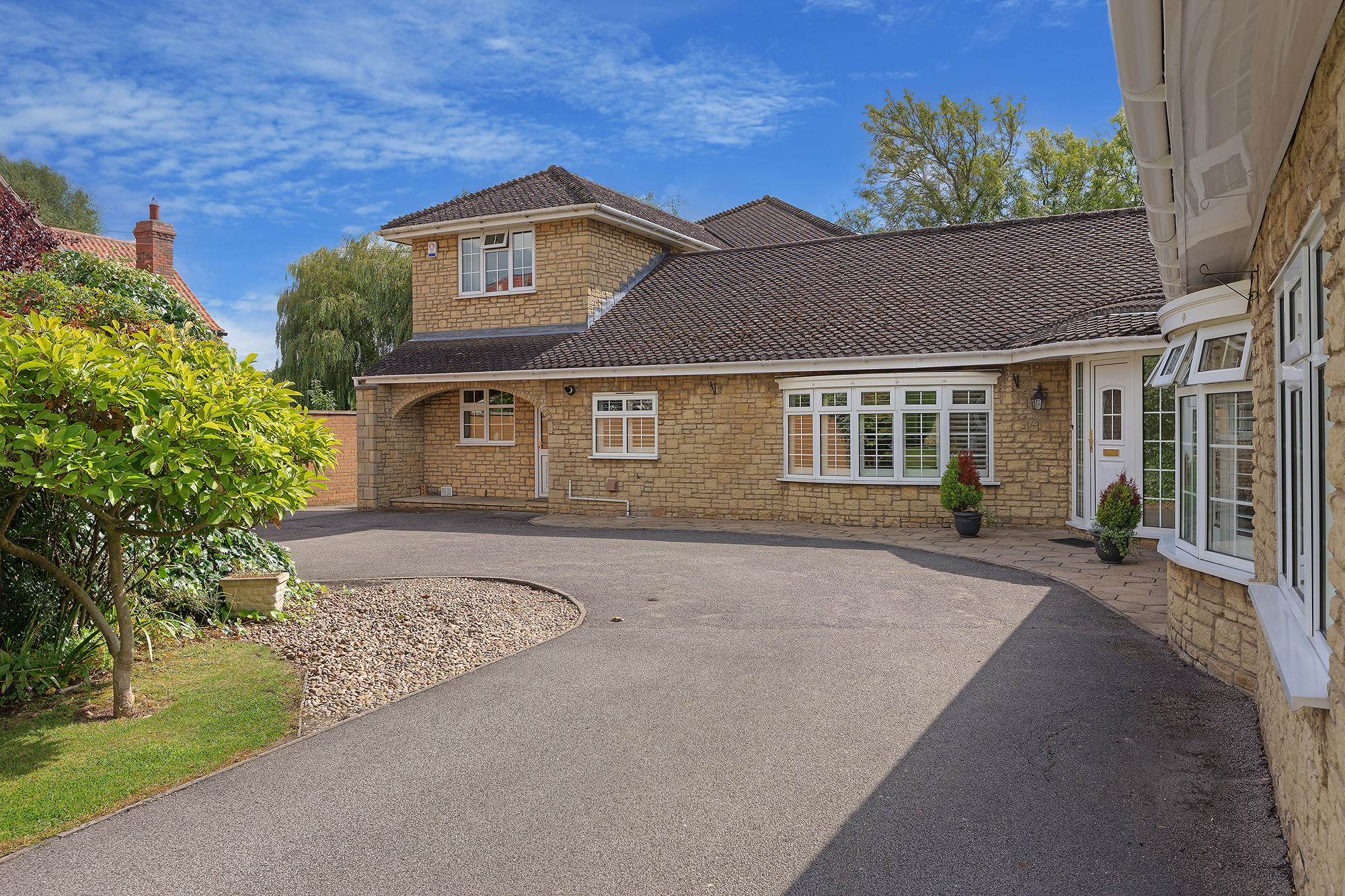 Holiday Homes With A Pool In Near Lincolnshire Wolds East Midlands Cottage With Swimming Pool