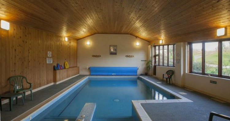 Holiday accommodation + swimming pool  in South West, West Country, Dorset AONB