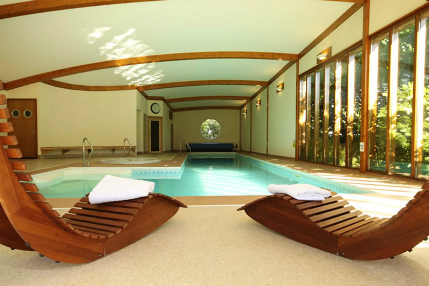 Holiday homes with a pool  in South West, West Country, Somerset/Devon Border