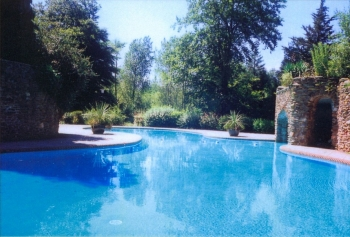 Holiday cottages with a swimming pool and barbeque  in Devon, South West, South Hams
