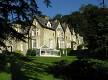 Holiday accommodation + swimming pool  in South Hams, Devon