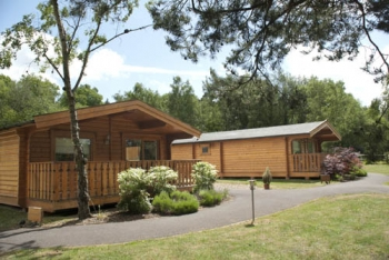 Cottesmore Lodges with golf