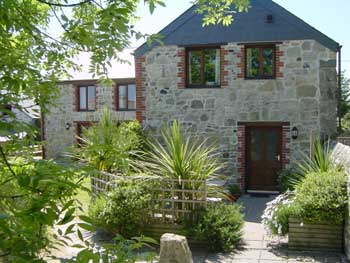 Cottage breaks with swimming pool + BBQ  in South West, West Country, South Coast