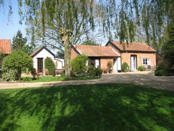 Cottage ; Small Country Estate ; Barn Conversion ;