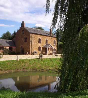 Spa cottage couples in East Midlands