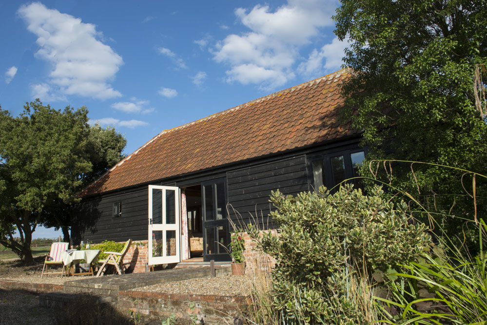 Dog friendly sleeps 2 in Mersea Island