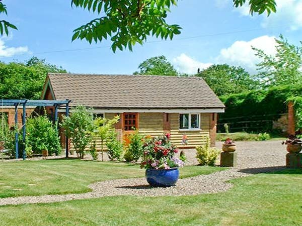 Holiday homes with a pool  in Heart of England