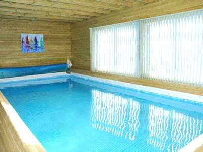 Self catering holiday cottages with swimming pools villas and holiday cottages with pools for Holiday cottages in wales with swimming pools