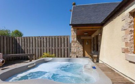 Self Catering Holiday Cottages With A Hot Tub Or Jacuzzi Bath Hot Tub And Spa Holiday Cottages