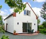 Woodpecker Cottage dog friendly holiday cottage, Farndon, Cheshire, North Wales , Cheshire, England
