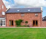 The Grainstore dog friendly holiday cottage, Vale Of Taunton Deane, South West England , Somerset, England