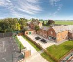 James Parlour - with Swimming Pool & Sports Area - Shropshire