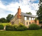 5* Beautiful,Clean,Cottage with Free Parking, WiFi, games room and lovely garden Short Breaks Cottage