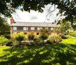 5* Beautiful,Clean,Cottage with Free Parking, WiFi, games room and lovely garden for Weekend Breaks