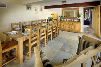 self-catering for 14 in Somerset with dining room