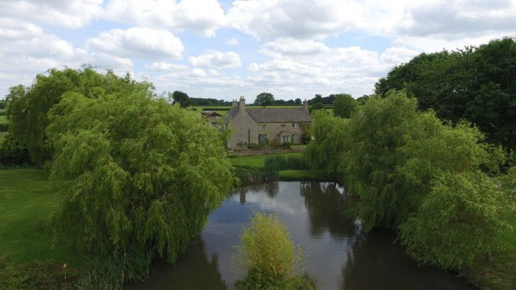 The Cotswold Manor Hall, Exclusive Hot-Tub, Games/Event Barns, 70 acres of Parkland - Photo 6