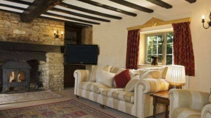 The Cotswold Manor Hall, Exclusive Hot-Tub, Games/Event Barns, 70 acres of Parkland - Photo 5