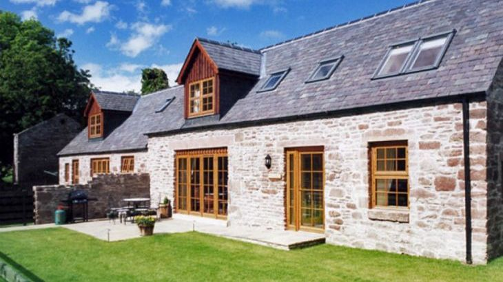 Nantusi Cottage Pet-Friendly Cottage, Kirriemuir, Central Scotland  - Main Photo