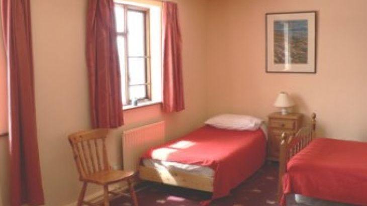 Lios Dána Lodge, sleeps  12,  Photo 13