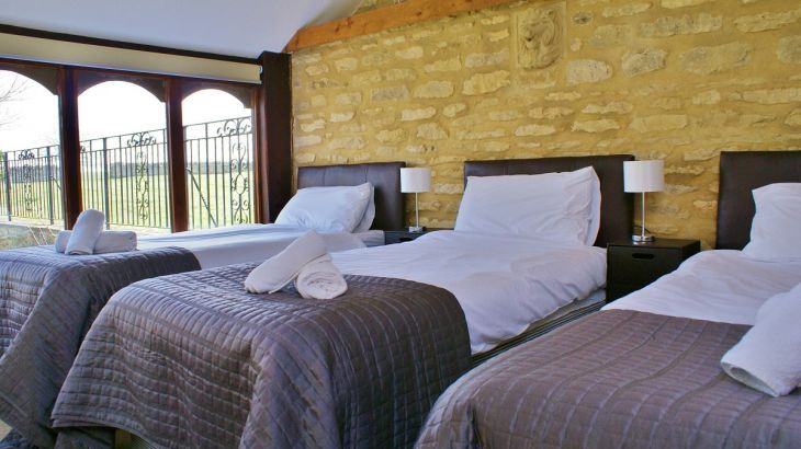 The Cotswold Manor Grange, Exclusive Hot-Tub, Games/Event Barns, 70 acres of Parkland - Photo 6