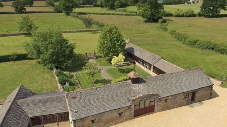 The Cotswold Manor Grange, Exclusive Hot-Tub, Games/Event Barns, 70 acres of Parkland - Main Photo