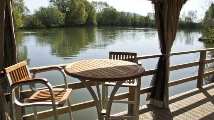 The Lakeside Yurt Dog Friendly Holiday Accommodation, Beckford, Cotswolds  - Photo 2