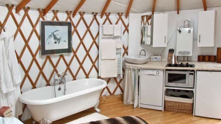 The Lakeside Yurt Dog Friendly Holiday Accommodation, Beckford, Cotswolds  - Photo 5