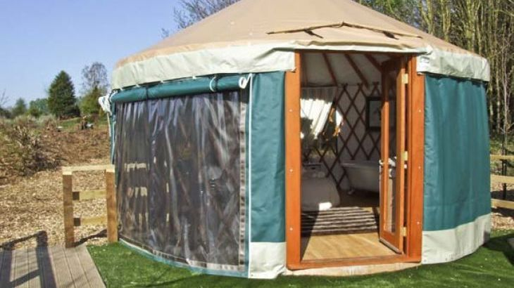 The Lakeside Yurt Dog Friendly Holiday Accommodation, Beckford, Cotswolds    Main Photo