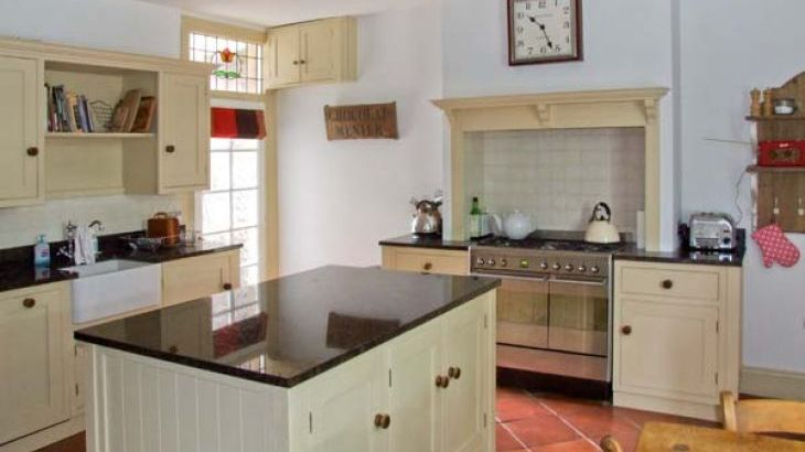 Cornbrook House Family Cottage, Ashford-In-The-Water, Peak District  - Photo 2
