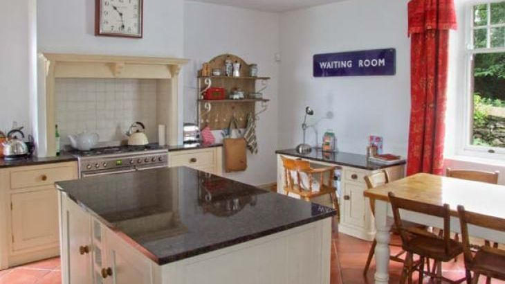 Cornbrook House Family Cottage, Ashford-In-The-Water, Peak District  - Photo 3