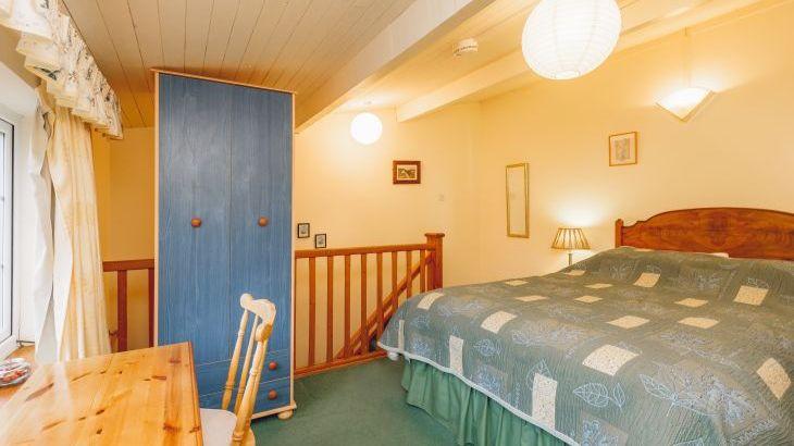 Barlings Barn, sleeps  28,  Photo 27